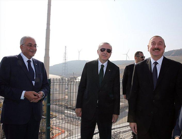 Cumhurbaşkanı Recep Tayyip Erdoğan, Azerbaycan Cumhurbaşkanı İlham Aliyev ile SOCAR Star Rafinerisi'nin açılış törenine katıldı.