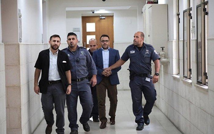 İsrail'in gözaltına aldığı Kudüs Valisi hakim karşısında: İnşallah bir gün bu zulüm bitecek
