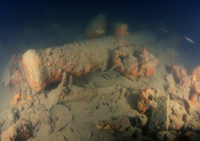Didim açıklarından çıkarılan Rus savaş gemisi kalıntıları