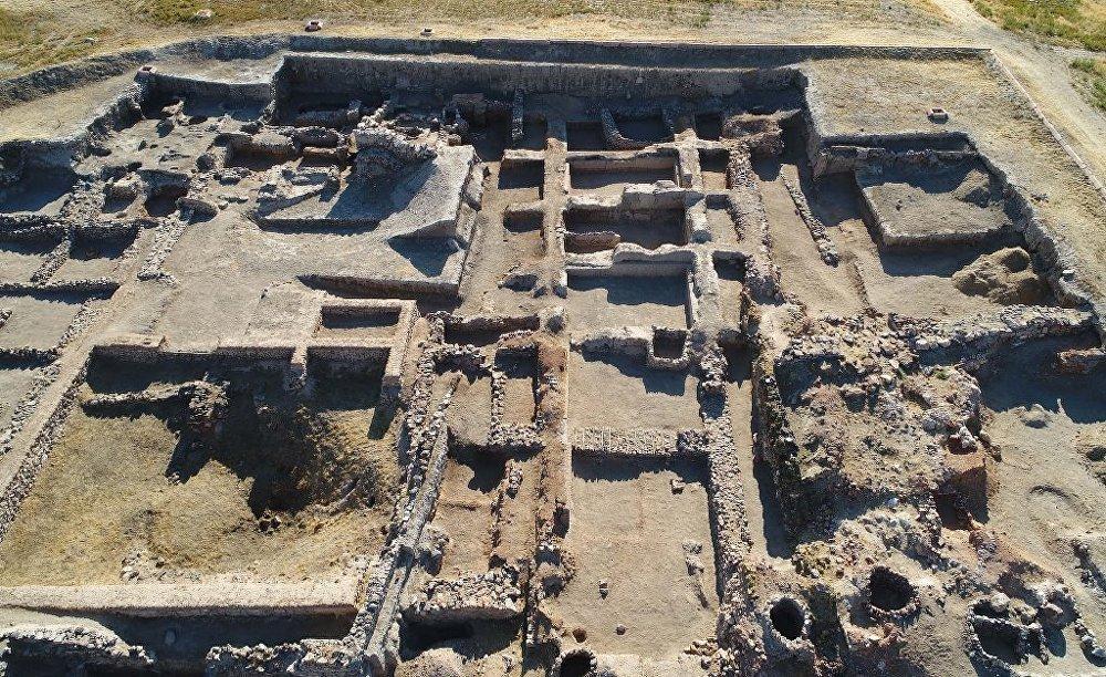 Anadolu'da kadınlar 4 bin yıl önce ticari anlaşma yapıp, mühür basıyordu