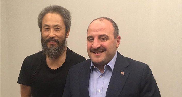 Japon gazeteci Jumpei Yasuda ve Sanayi ve Teknoloji Bakanı Mustafa Varank