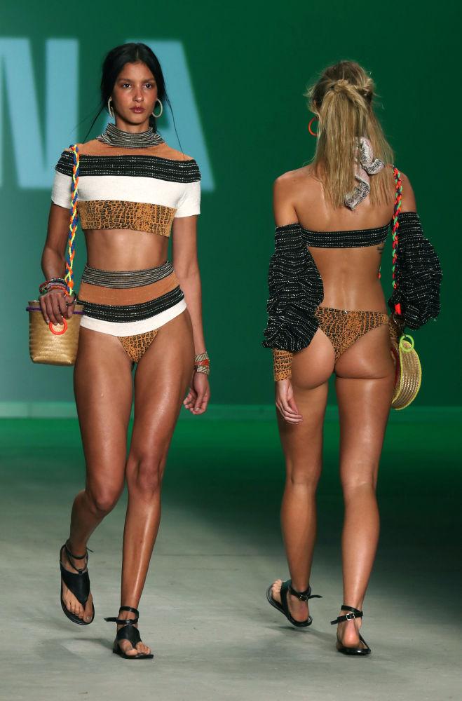 Brezilya Moda Haftası'nda plaj defilesi