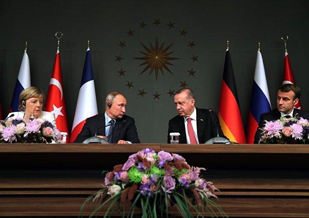 Erdoğan - Putin - Macron - Merkel
