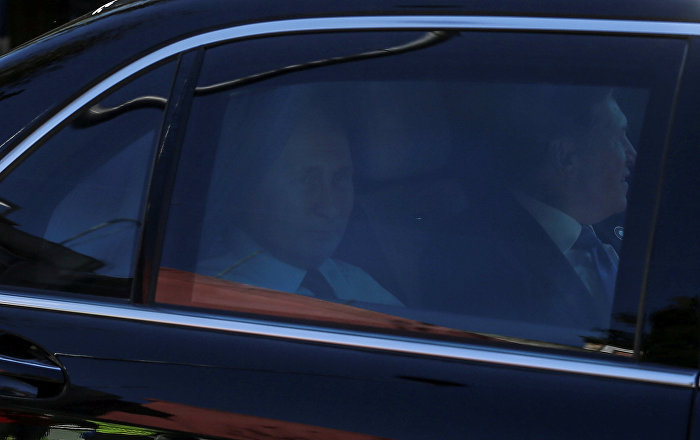 Rusya Devlet Başkanı Vladimir  Putin, diğer liderlerin aksine zirveye Aurus marka aracıyla geldi.
