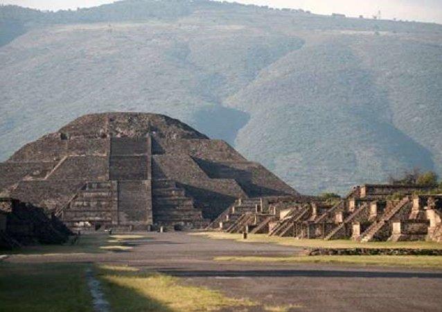 Meksika'da bulunan Teotihuacan arkeolojik alanı