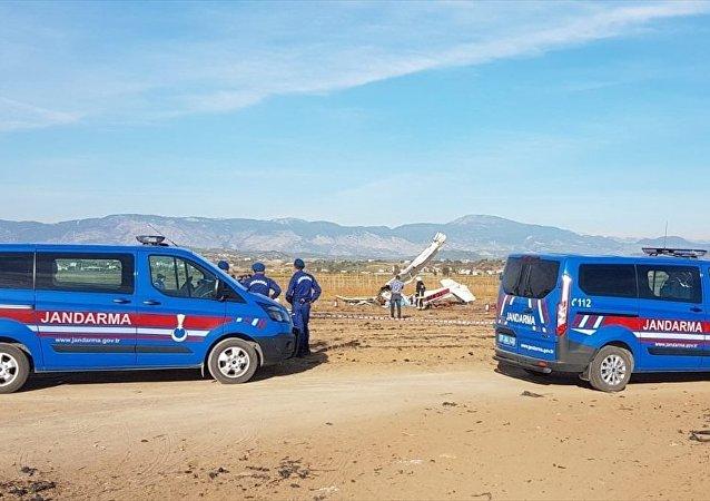 Antalya'nın Manavgat ilçesinde eğitim uçağı düştü