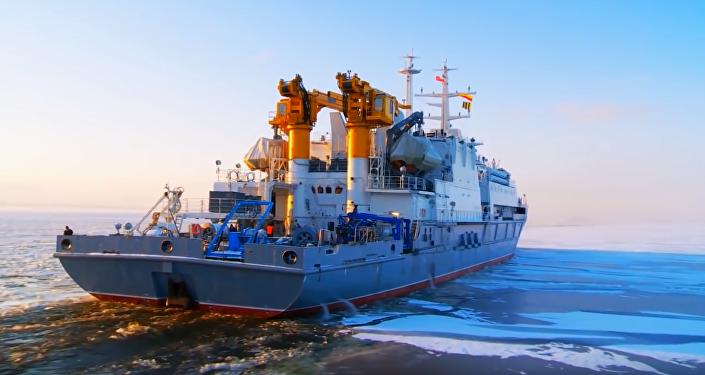 Rus askeri dalgıçlar 416 metre dibe iniş yaptı, rekora imza attı
