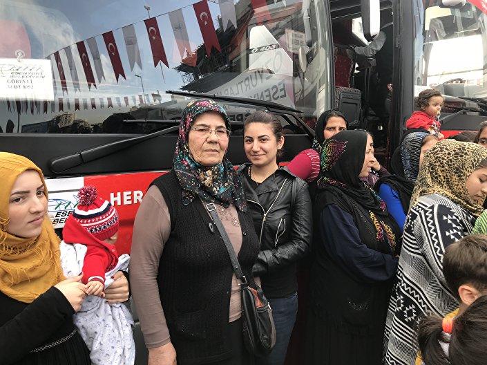 100 Suriyeli Cerablus ve Afrin'e yolcu edildi