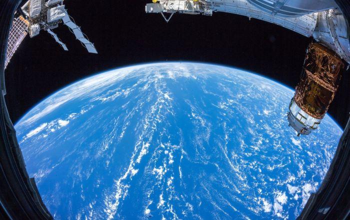 Roscosmos,uydularıuzayçöpündenkoruyacak'zırh'geliştirdi