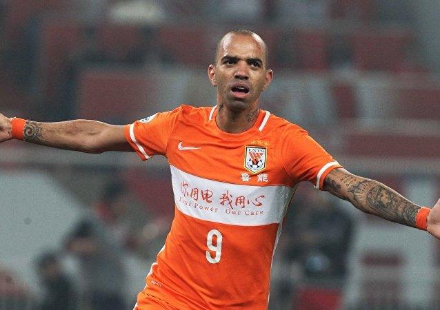 Shandong Luneng'in Brezilyalı futbolcusu Diego Tardelli
