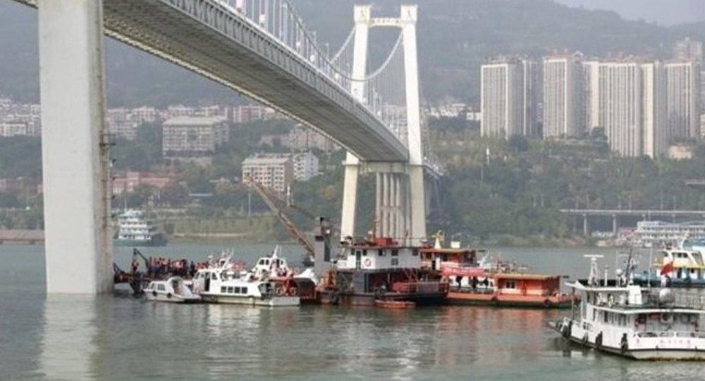 Yolcu-şoför kavgası nehirde bitti