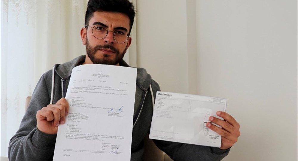 Sivas'ta, nüfus cüzdanına yaklaşık 23 ay küçük yazıldığı gerekçesiyle mahkeme başvuran, kemik ölçümleri sonucu yaşı büyütülen Özkan Yelok bedelli askerliğe başvurdu.