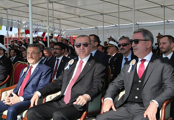 Törende Cumhurbaşkanı Yardımcısı Fuat Oktay ve Milli Savunma Bakanı Hulusi Akar da yer aldı.