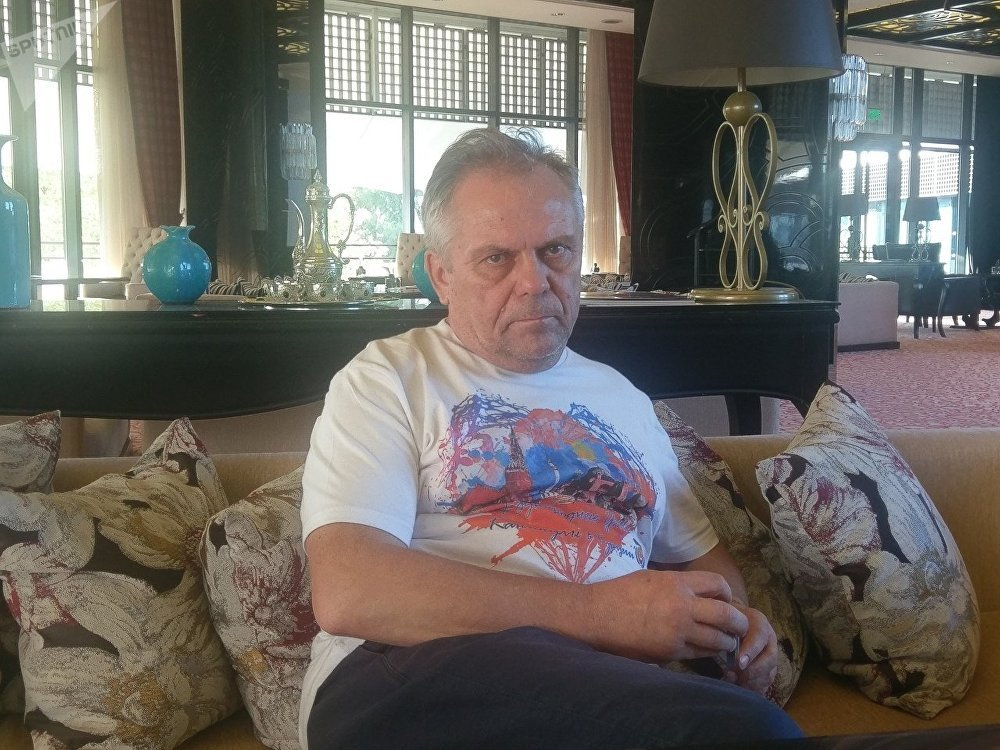 'Atom TV'nin koordinatörü Aleksandr Dubitskiy.