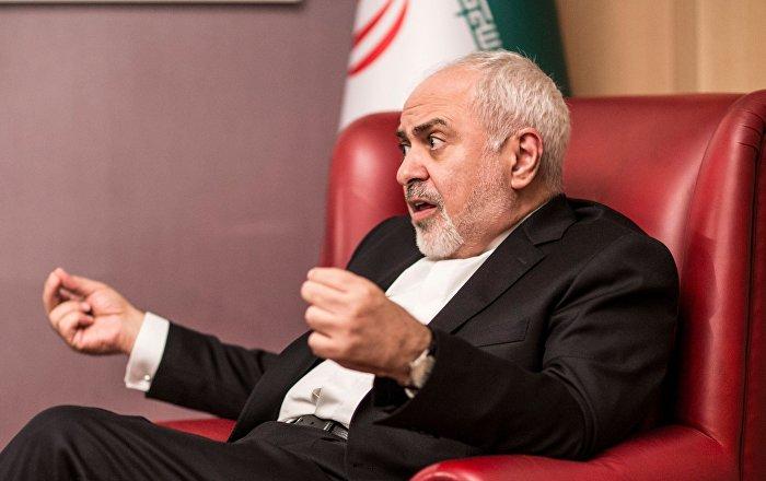 Zarif: Polonya, İran karşıtı umutsuz bir sirke ev sahipliği yapıyor