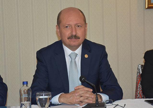 AK Parti Balıkesir Milletvekil Adil Çelik