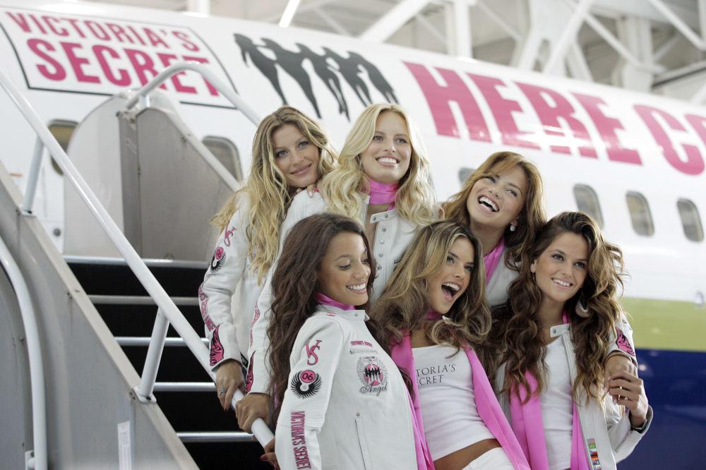 Victoria's Secret meleklerinin şova hazırlıkları
