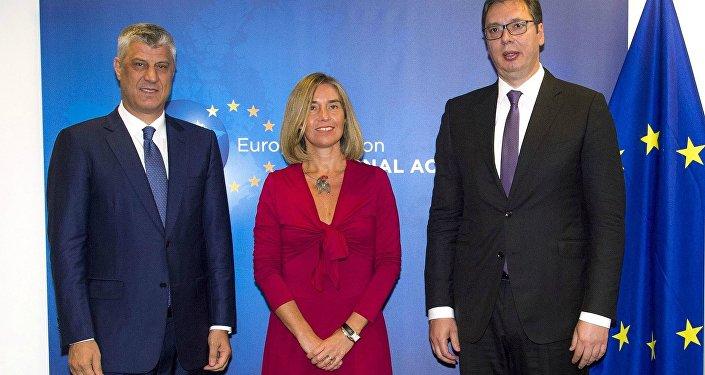 Kosova Cumhurbaşkanı Haşim Thaçi ile Sırbistan Cumhurbaşkanı Aleksandar Vucic, Brüksel'de AB Yüksek Temsilcisi Federica Mogherini ile bir araya geldi.