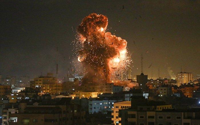 İsrail ordusu Gazze'de 3 noktaya saldırı düzenledi