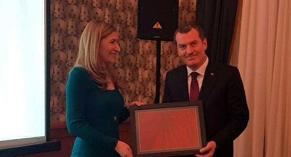 Bulgaristan Turizm Bakanı Nikolina Angelkova ile Kültür ve Turizm Bakanı Yardımcısı Ömer Arısoy