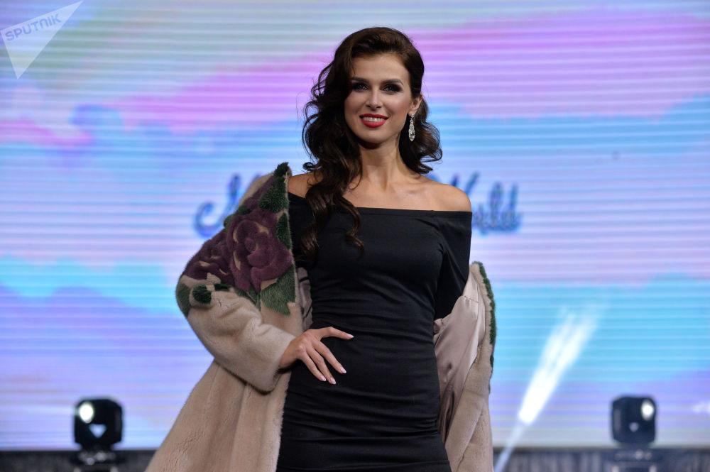 Minsk'te düzenlenen Mrs. Belarus World 2018 Güzellik Yarışması