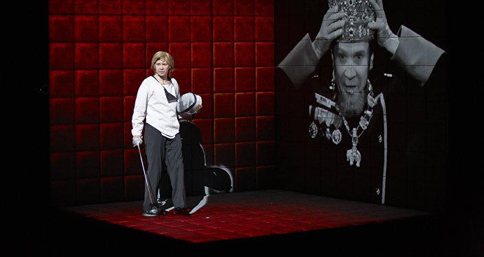 Yevgeniy Mironov'un katılımıyla Uluslar Tiyatrosu'nun 'Hamlet   Kolaj' oyunu