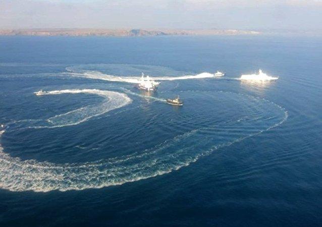 Kerç Boğazı'na hücum eden Ukrayna savaş gemileri