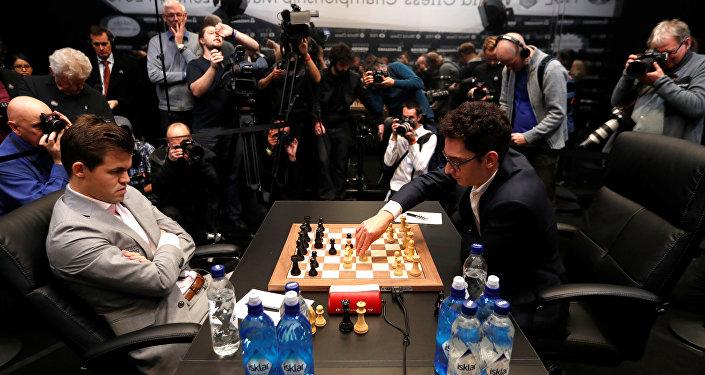 Magnus Carlsen ile Fabiano Caruana