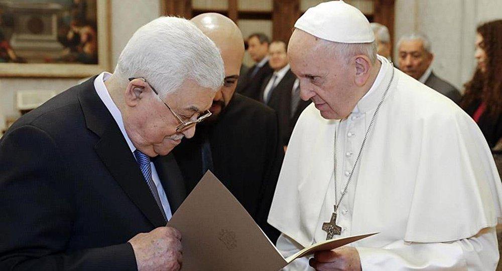 Filistin Devlet Başkanı Abbas ve Papa Orta Doğu'yu konuştu