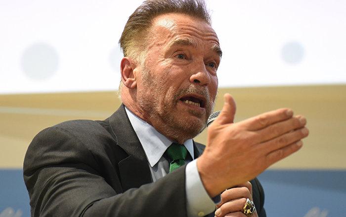Schwarzenegger in Güney Afrika da uğradığı saldırı kameraya yansıdı