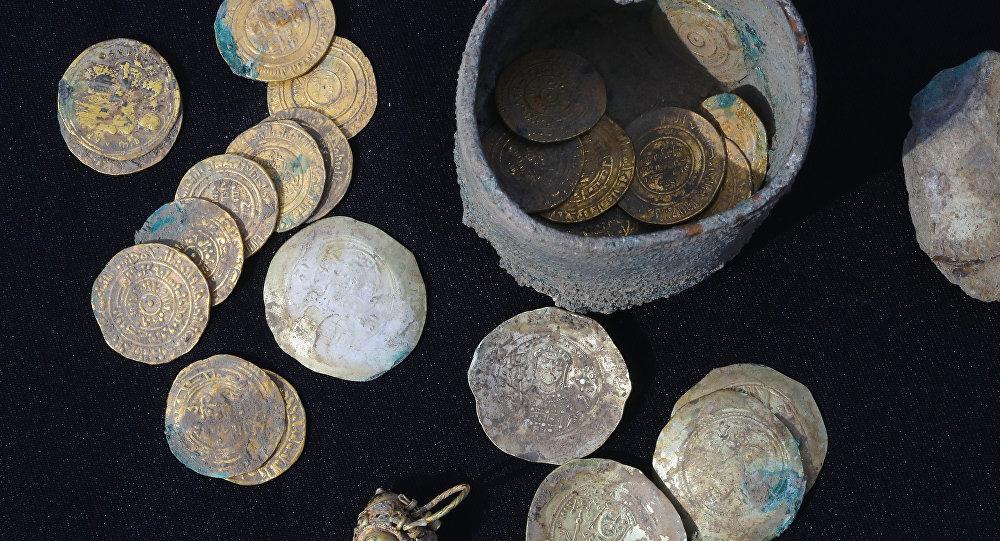Kayserya antik kentinde bulunan altın sikkeler