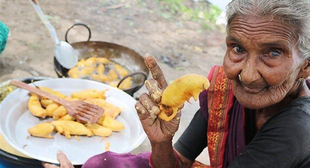 Youtuber Mastanamma 107 yaşında hayatını kaybetti - Mastanamma