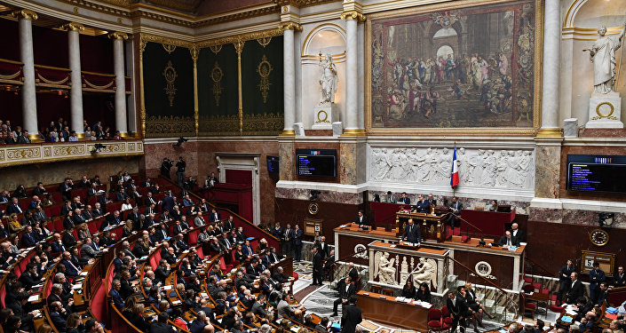 Fransa'da hükümete güvensizlik oyu önergesi