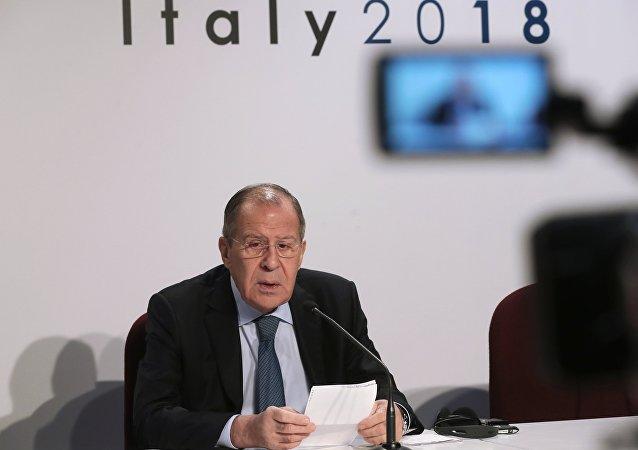 Lavrov: Tutuklu Ukraynalı mürettebatın akıbeti mahkemeden sonra belli olacak 4