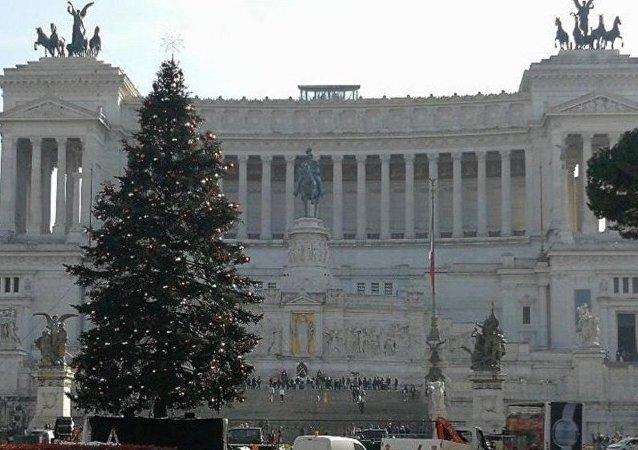 Roma'da ikinci Noel ağacı vakası