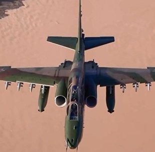 Rus savaş uçaklarının eğitim uçuşundan eşsiz görüntüler