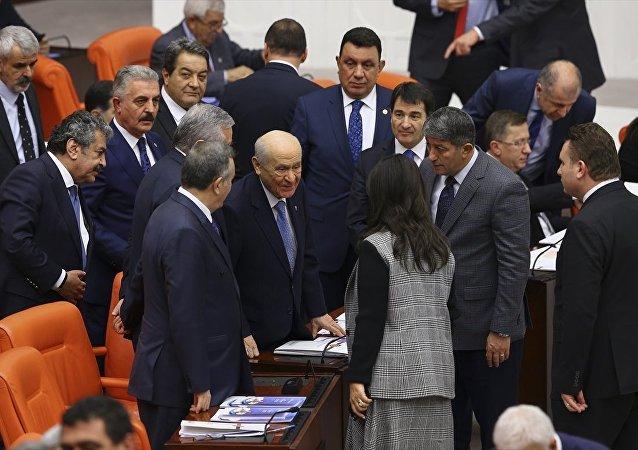 Devlet Bahçeli - Pervin Buldan