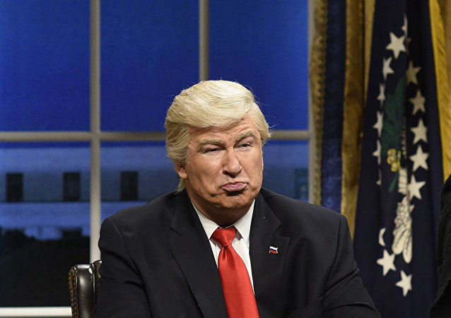 Saturday Night Live (SNL) şovunda Donald Trump'ı canlandıran Alec Baldwin
