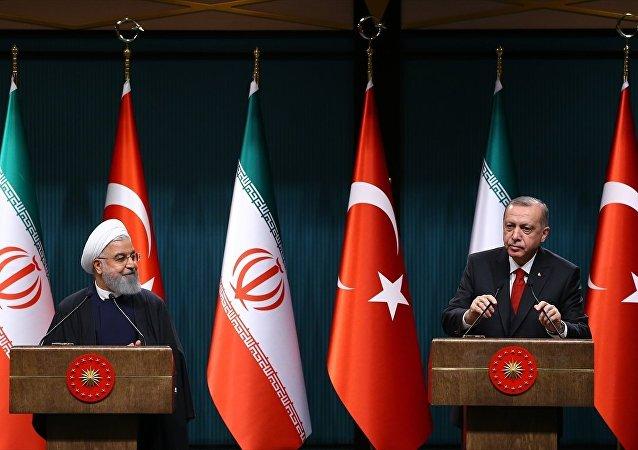 İran Cumhurbaşkanı Hasan Ruhani ile Türkiye Cumhurbaşkanı Recep Tayyip Erdoğan