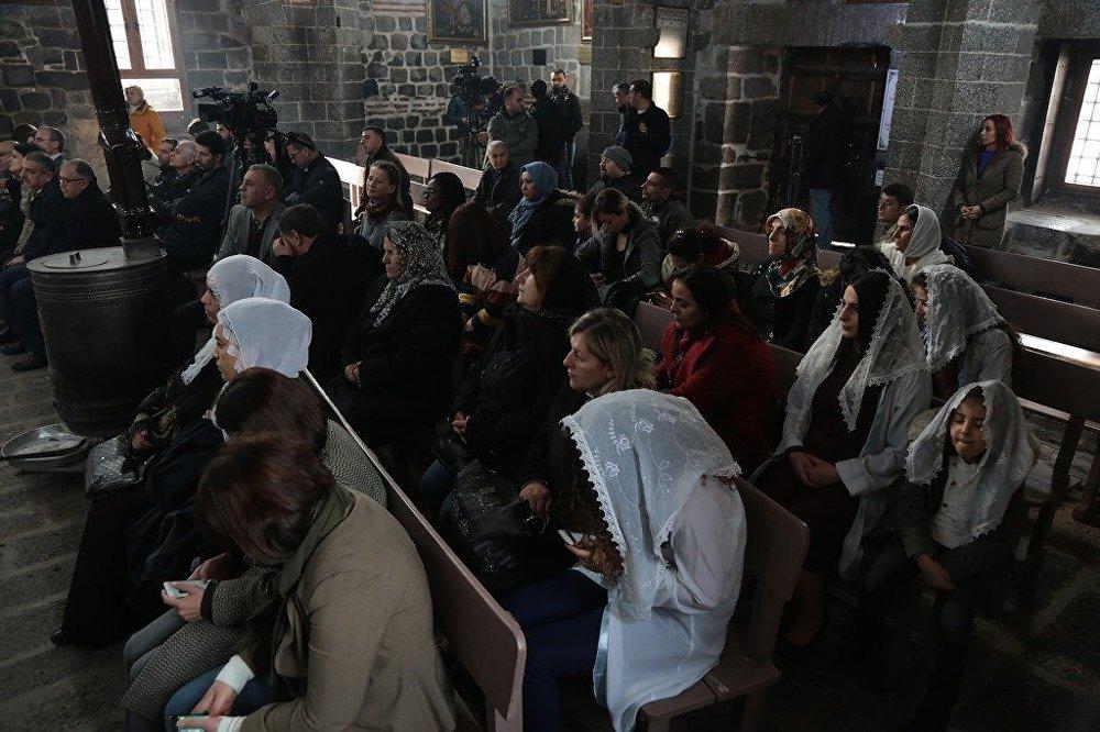 Meryem Ana Süryani Kilisesi'nde Noel ayini