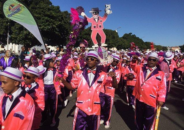 Güney Afrika'nın turizm kenti Cape Town'da, kölelerin yılbaşı kutlama günü olarak bilinen 2. Yılbaşı Festivali kutlandı.