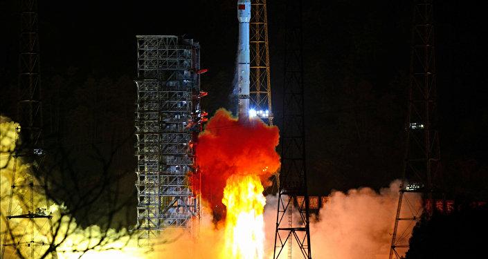 Çin uzay aracı, Ay'ın karanlık yüzüne başarı ile iniş yaptı - Çang'ı-4