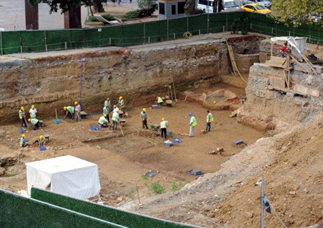'Beşiktaş'ta bulunan 5500 yıllık mezarlar, metrodayken görülebilecek'