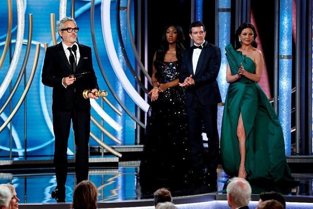 Roma'nın yönetmeni, yazarı ve editörü Alfonso Cuaron, En İyi Yönetmen seçildi.