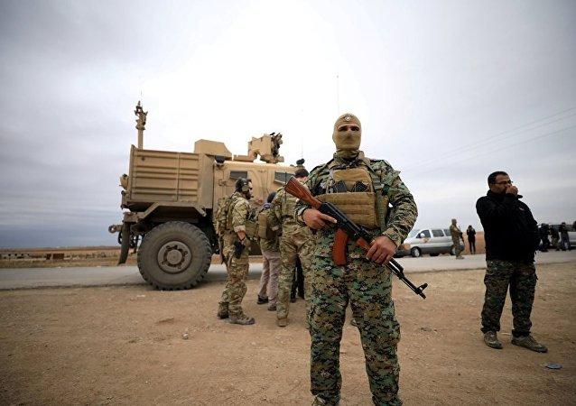 Suriye Demokratik Güçleri(DSG) ve ABD birlikleri, Türkiye sınırına yakın devriye geziyor