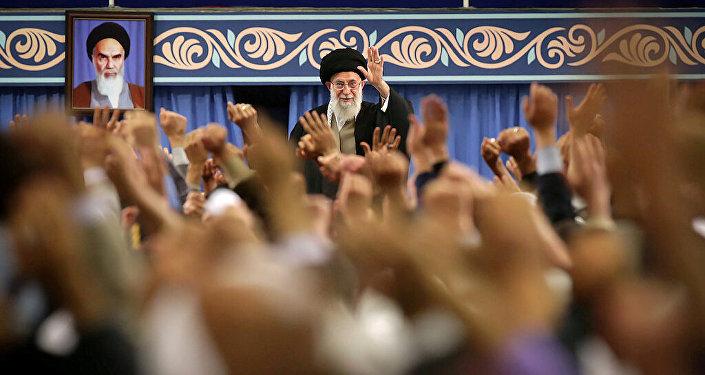 Ayetullah Ali Hameney'in Kum kentinden grupla Tahran'daki buluşması