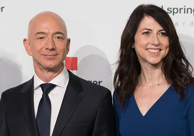 Jeff Bezos-Mackenzie Bezos