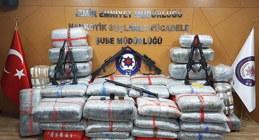Jandarma ilçe komutanına uyuşturucudan gözaltı: 1 ton uyuşturucu ele geçirildi