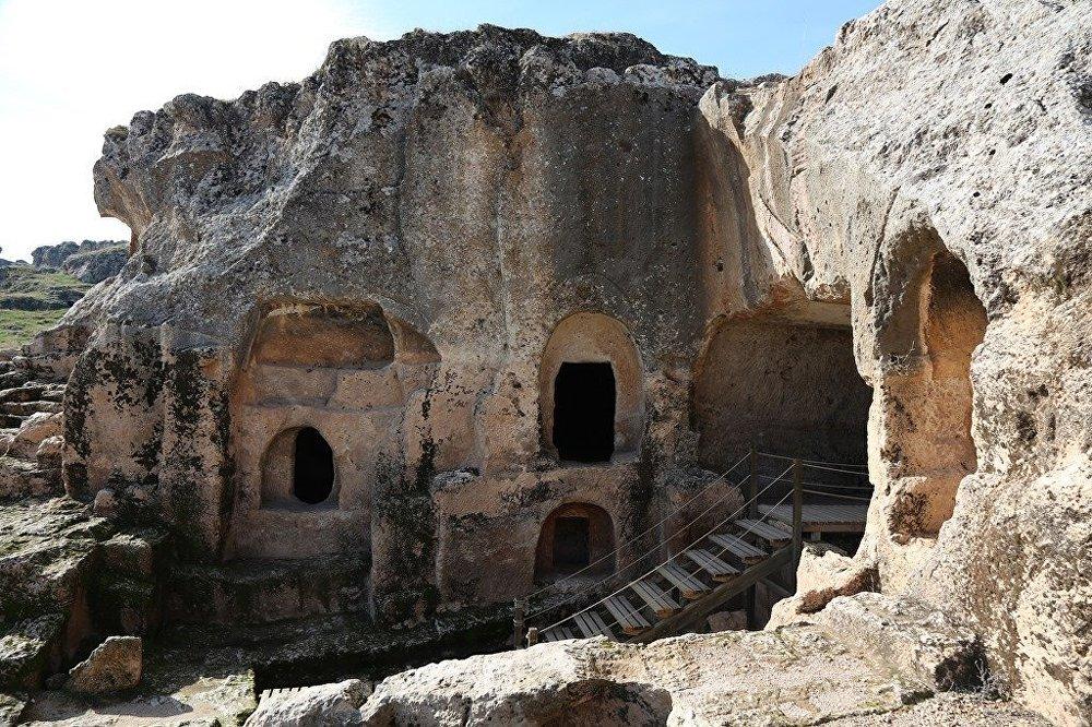 Diyarbakır'ın Ergani İlçesi'nde bulunan Hilar Mağaraları