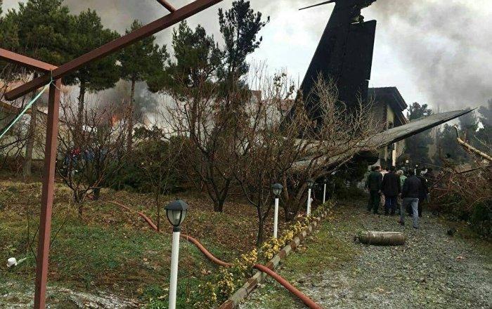 İran'da kargo uçağı düştü: En az 15 ölü